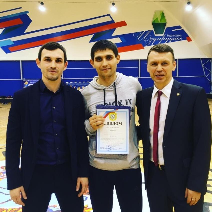 Тренер женской команды Артемий Филинов
