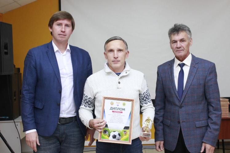 Эдуард Павлов лучший защитник Первенства Чувашии 2019 года среди ветеранов