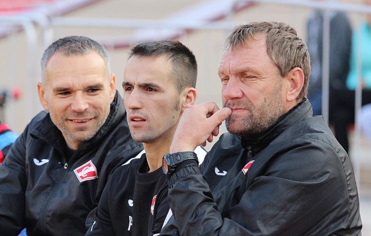Олег Митаров со своими помощниками