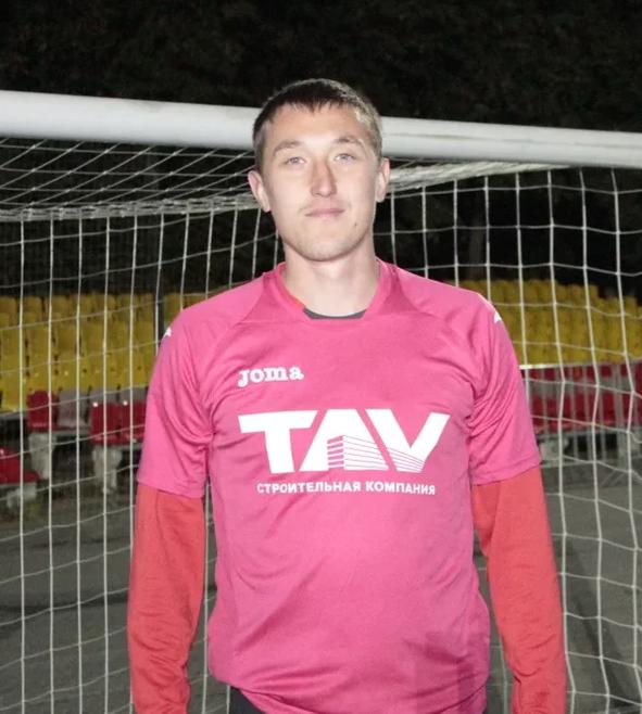 Максим Спинов автор первого гола чемпионата Чувашии по миди-футболу 2020