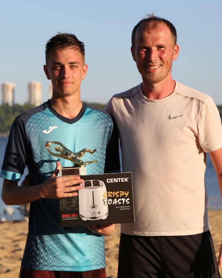 Яковлев Николай лучший вратарь Открытого первенства города Чебоксары по пляжному футболу 2021 года